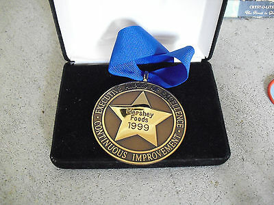 Rare 1990 Hershey Foods Executive Excellence Bronze Award Medal & Ribbon in Box
