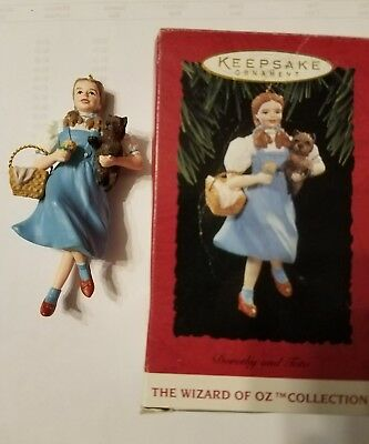 1994 DOROTHY AND TOTO gale Wizard Of Oz collection Hallmark Keepsake Ornament