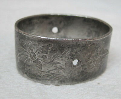 Antique Silverplate Napkin Ring Floral Etched Scroll Design Oval w Holes T73