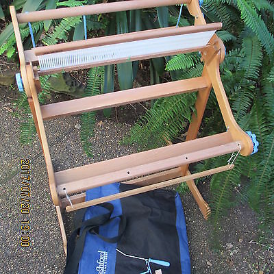 ASHFORD Knitters 50 cm  loom with stand bag and extra reed