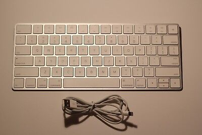 Apple Magic Wireless Bluetooth Keyboard - BARELY USED, NEAR-PERFECT CONDITION