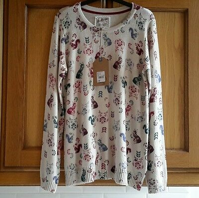 Mantaray lady's jumper Foxes, Flowers and Squirrel print size 12