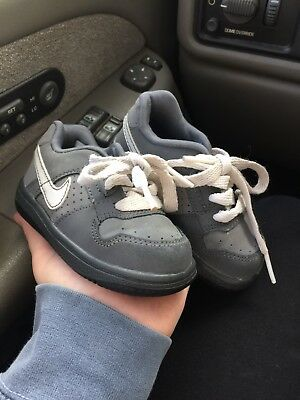 Baby Toddler boy Grey and white Nike shoes size 5C