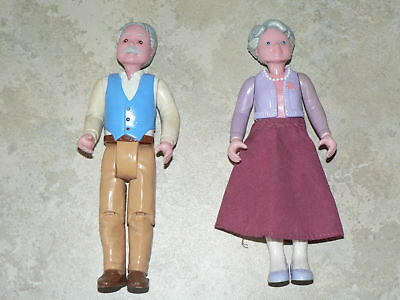 VINTAGE - Grandparents from Fisher Price Loving Family dolls house (pack 1).