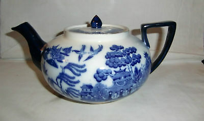 Late 19th/Early 20th Century Doulton Old Willow Teapot