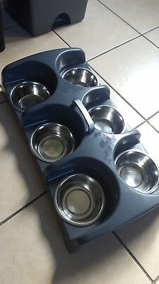 Puppy feeder with 6 removable bowls