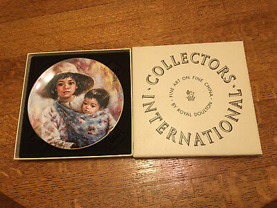 "Royal Doulton Collector Plate ""Sisterly Love"" Lisette De Winne 1984 (377)"