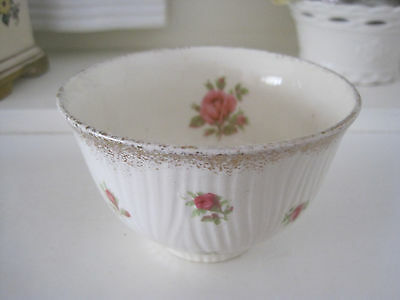 Pretty Vintage Crown Ducal Pink Roses Sugar Bowl