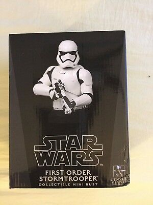 STAR WARS - FIRST ORDER STORMTROOPER (Gentle Giant COLLECTIBLE MINI BUST) New
