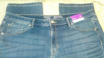 MOSSIMO Brand Women's Plus Size 18 Straight Stretch Jeans Inseam 32 Mid Rise NWT