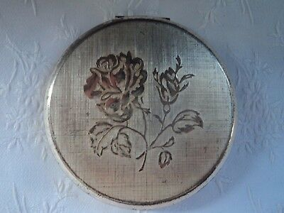 Vintage Stratton compact - Silvertone with rose design
