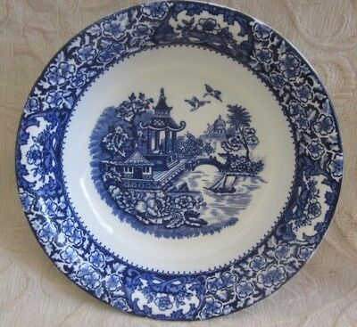 vintage SWINNERTONS Olde Alton Ware SERVING BOWL blue white willow tree pattern