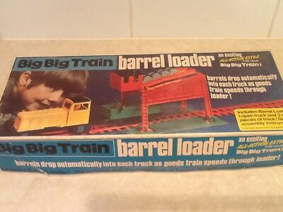 Big Big Train Barrel Loader Triang