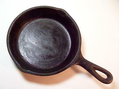 """Vintage cast Iron Skillet Frying pan 6 1/2"""" Marked #3 Heat ring"""