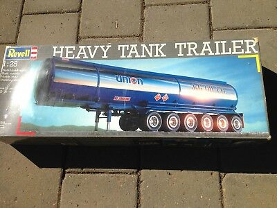 Revell Models 1/25 Heavy tank Trailer