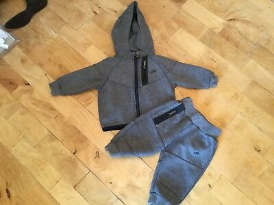 Baby Boys Nike Tracksuit Age 6-9 Months