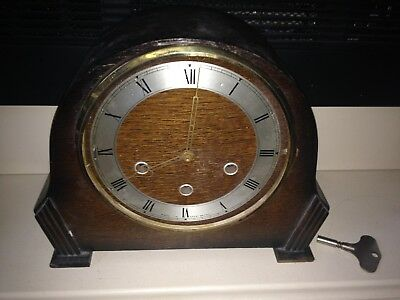 Vintage chiming mantel clock