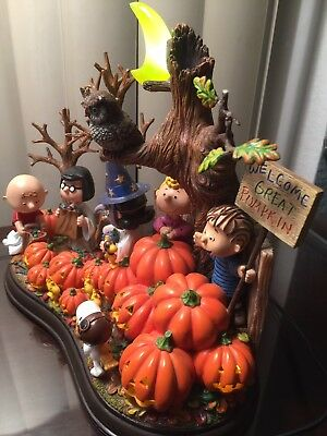 Danbury Mint Lighted Sculpture Peanuts And Gang