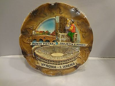 Verona - L'arena Souviner Collector plate with Stand - 3D design - NEW - 5 1/2""