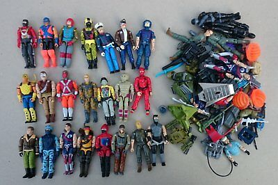 Gi Joe Vintage Lot Of 22 With Lot's Weapons And Body Parts