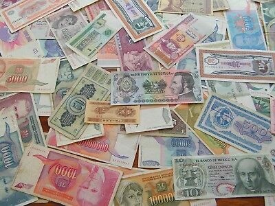 100 Worldwide Banknotes With An Error,