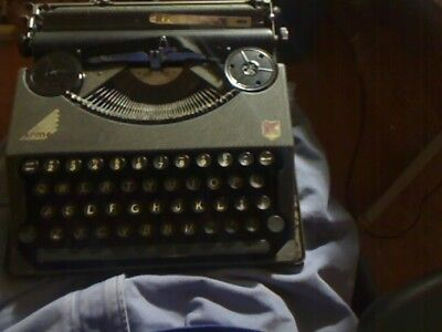 Antique 1939  Hermes Baby Typewriter with Carrying Case