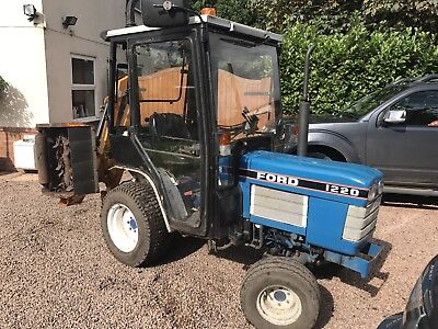 Ford 1220 Compact Tractor Farm Small Holding Landscaping Garden Horse Equestrian