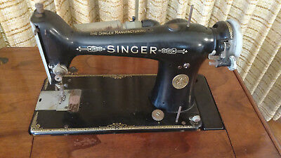 Vintage 1926 Singer Sewing Machine 101-3 in Deluxe Library Table cabinet #40