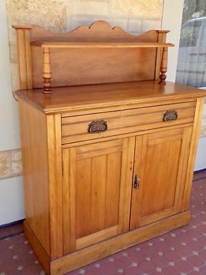 1910's Art Nouveau Cowrie Pine High Quality Compact Stylish Sideboard