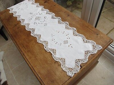 Vintage White Lace & Linen Table Runner pretty