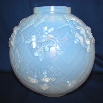 Sabino French Opalescent Glass Les Abeilles Beehive Vase