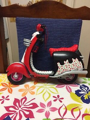 Monster High - Ghoulia Yelps Scooter