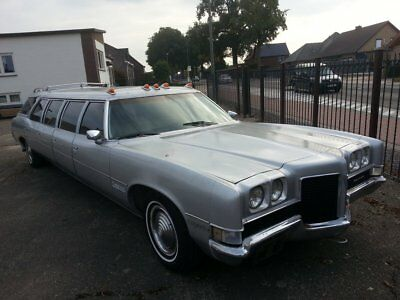 1971 Pontiac Catalina Stageway Airporter 8 doors 15 person stretched wagon