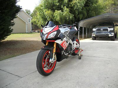 2016 Aprilia Superpole  2016 Aprilia Tuono Factory Super pole
