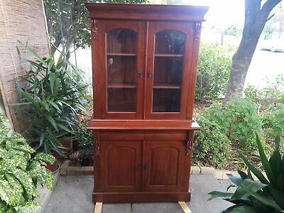 solid mahogany Victorian style bookcase/ display cabinet