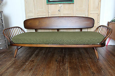 Ercol Daybed Sofa In Outstanding Condition Mid-Century Retro Studio Couch