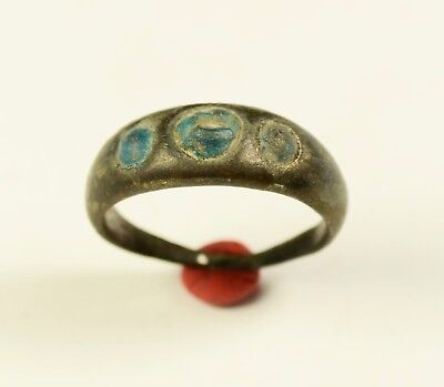 Stunning Medieval Period Ring With Blue Stones In Bezel - Wearable