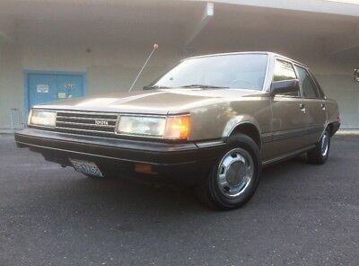 1986 Toyota Camry DLX 1986 Toyota Camry DLX 5-speed manual *2nd owner* all original