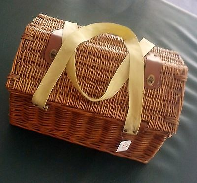 2 person picnic basket - New With Tags