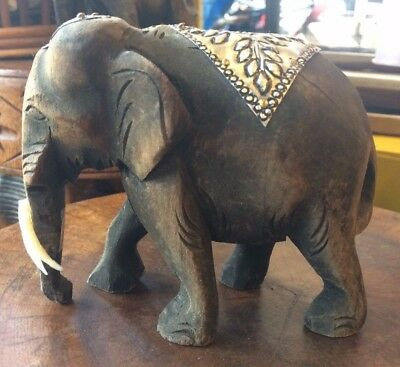 Hand Carved  Elephant Figure Teak Wood Sculpture Home Decor Vintage Gift Thai