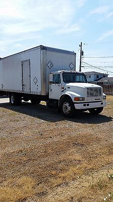 Box truck 2000 International 4700 no CDL Required