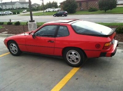 1987 Porsche 924  1987 Porsche 924S Low miles, great body and mechanicals