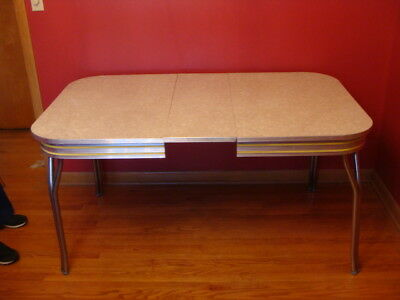 Clamshell Diner Table With Leaf Plus Six American Lucy Diner Chairs