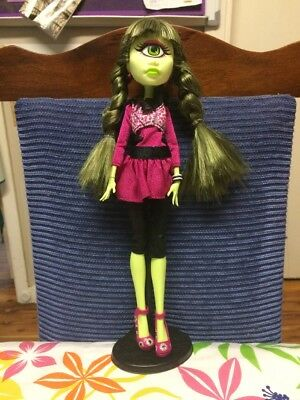 Monster High - Signature Look - Iris Clops From SDCC Exclusive 2-pack With Manny