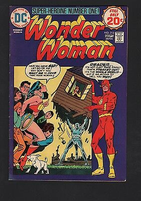 Wonder Woman #213 VG/F 5.0 Off White Pages