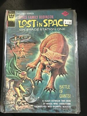 Space Family Robinson - Lost in Space on Space Station One - F/VF