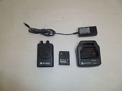 Motorola Minitor V 470-477.9 MHz UHF Stored Voice Fire EMS Pager w Charger