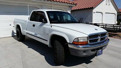 2001 Dodge Dakota Slt 2001 Dodge Dakota 4.7 V8 5 speed auto, 104 k mi custom, very clean must see