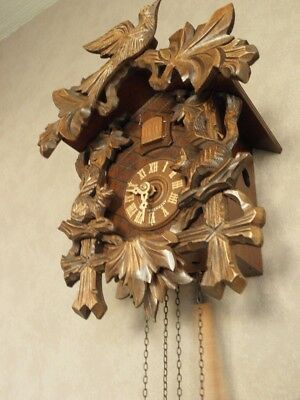 Vintage Retro Handcarved Linden Wooden Blackforest Cuckoo Wall Clock Pendulum