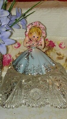 """Josef Originals figurine """"Pretty as a Picture"""" from favorite sayings collection"""